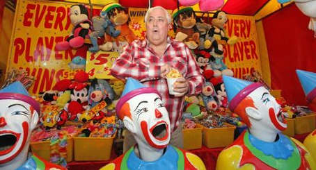 Clive Palmer in not playing the idiot, he is a showman with a Greedy, Tyrannical agenda.